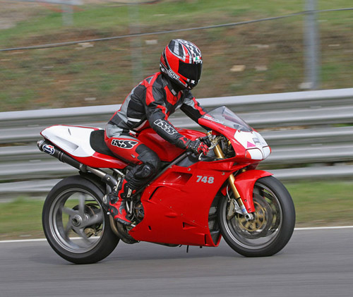 Download Ducati 748 repair manual